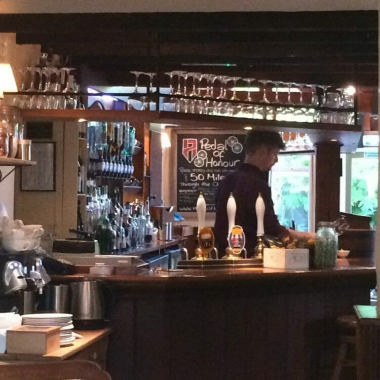 really cool things to love about london like gastropubs
