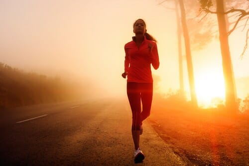 are there any disadvantages to a triathlete who trains solo finds a group