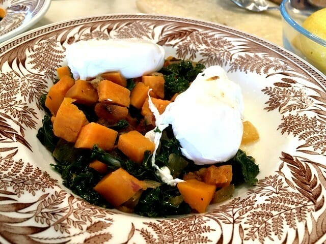 how to make sweet potato and kale hash with poached eggs