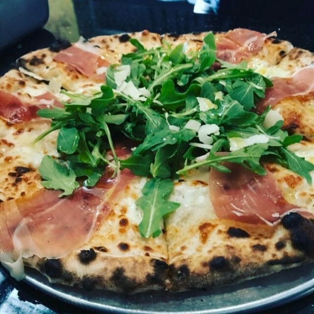 what are some do's and don'ts for making pizza at home