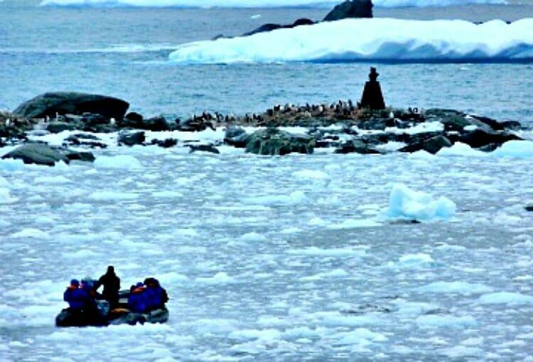 lindblad expedition to antarctica