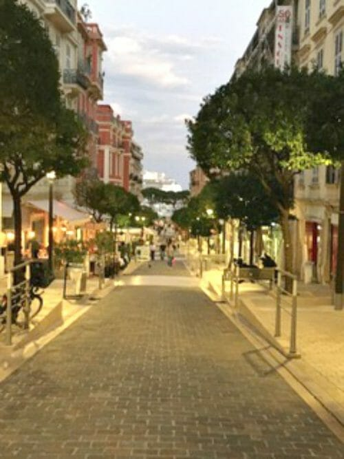 what are must-do's in monaco like shopping