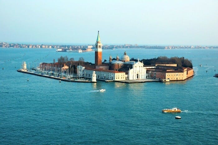 is a visit to murano on a must-do guide to venice italy