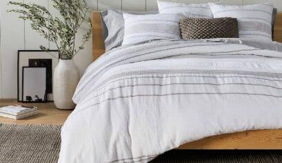 good sleep hygiene habits include a comfortable bedroom