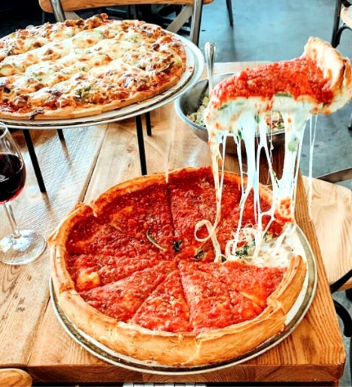 what are good pizza places in Chicago