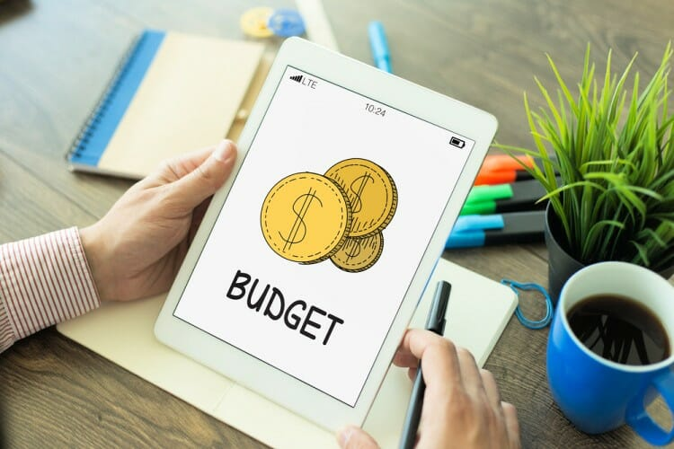 making a budget helps you live in luxury for less