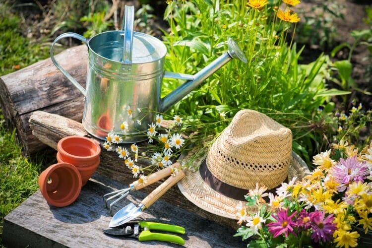 gardening hacks tools to use